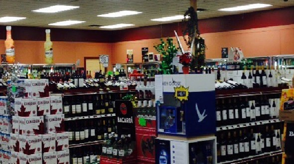 Pine-Plaza-Liquor-Store-1