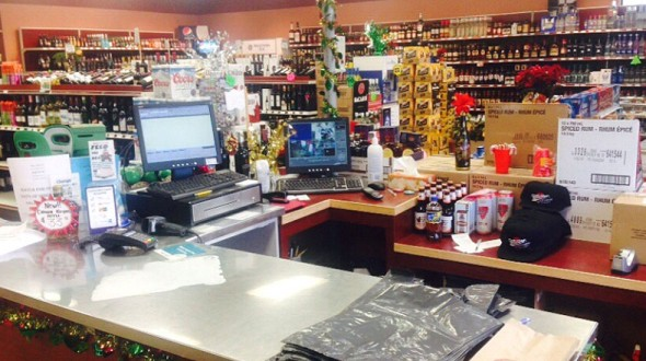Pine-Plaza-Liquor-Store-3